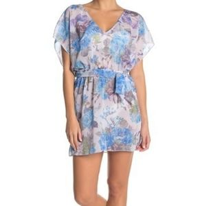 🆕️ Becca Floral V-Neck Tunic Beach CoverUp